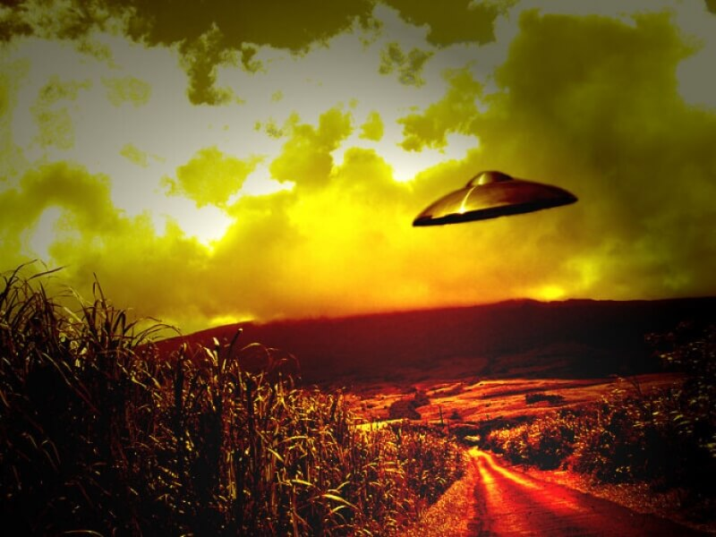 UFO Lands in Zimbabwe, Terrifies Entire School - Alien UFO Sightings