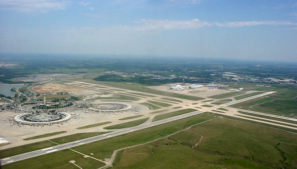 Kansas City International Airport as seen from the air. (Credit: Pacman5/Wikimedia Commons)